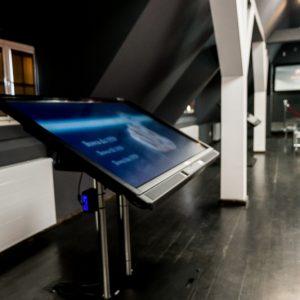 Sala multimedialna z dużym ekranem